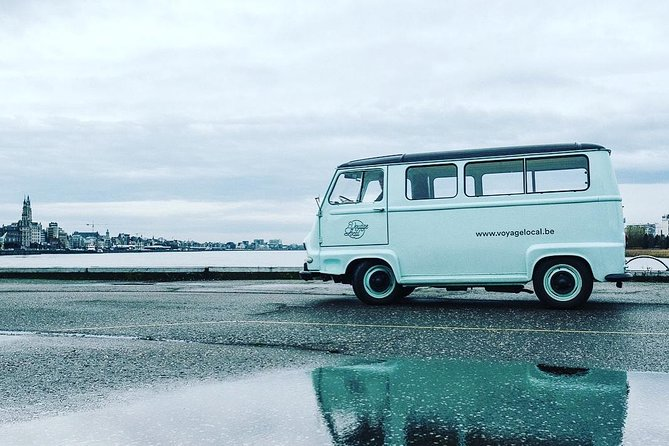 Voyage Local: Discover Antwerp with vintage bus