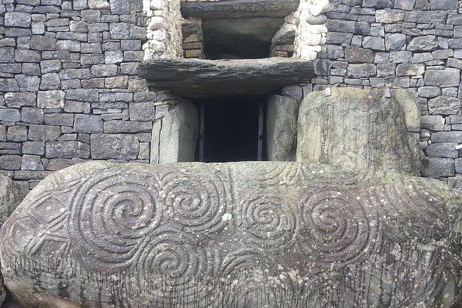 Newgrange & The Boyne Valley Private Day Tour - Little Gem - (Prices per group)