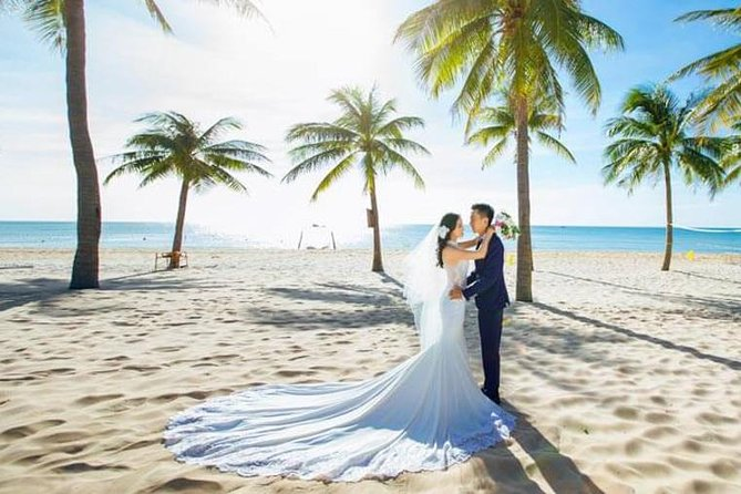 Private Photo Session with a Local Photographer in Phu Quoc Island