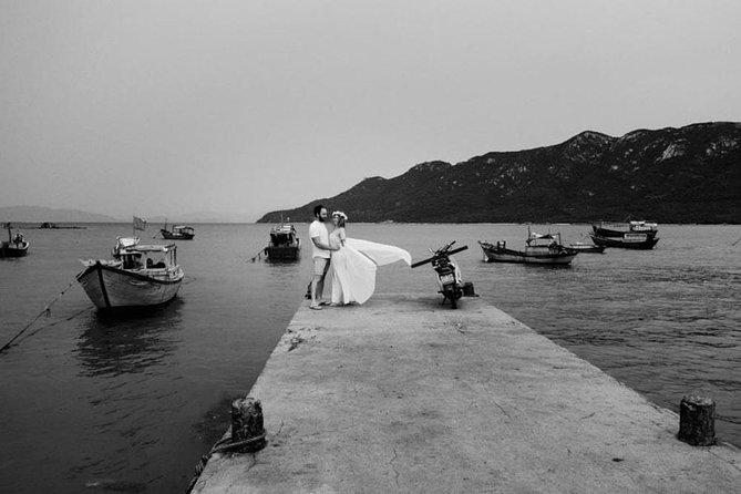 Private Photo Session with a Local Photographer in Phan Thiet