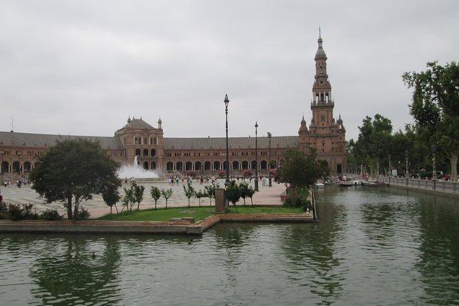 Private Tour of Spain Square + María Luisa Park