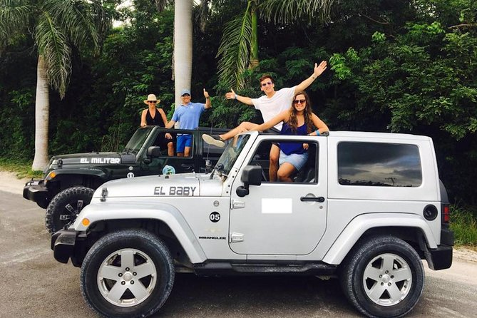 Cozumel Private Jeep Tour with Snorkeling Experience and Lunch