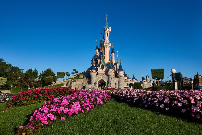 Disneyland Paris 1 or 2 Parks Day Trip with Hotel Pick-Up from Paris photo 6