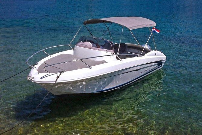 Elaphite islands boat tour with Beneteau Flyer 650 SD