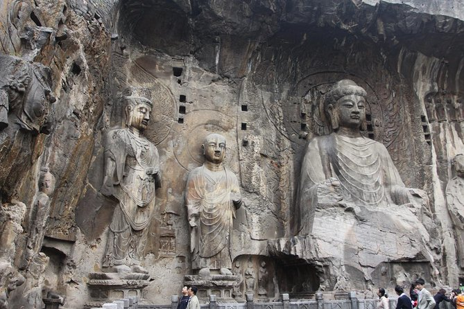 2-Day Private Tour: Shaolin Temple & Longmen Grottoes from Jinan by Bullet Train