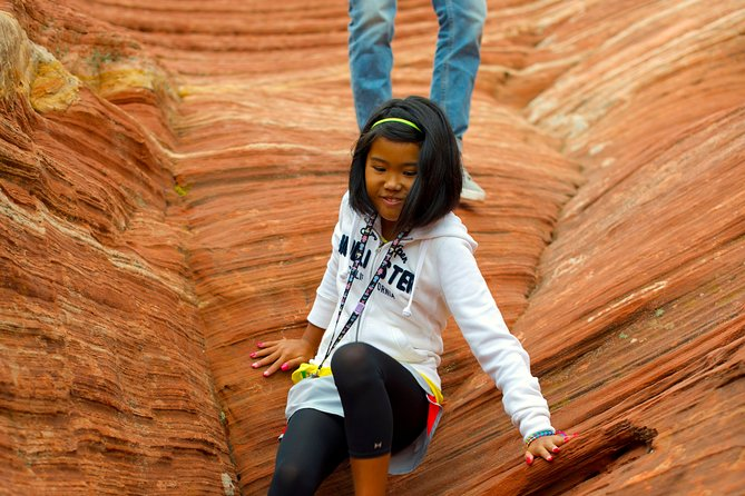 Hiking Kanab Visit and Photograph the famous White Pockets in Vermilion Cliffs photo 9
