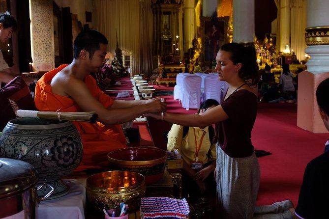 Explore the hidden gem of Chiangmai (Wat Phra Singh)