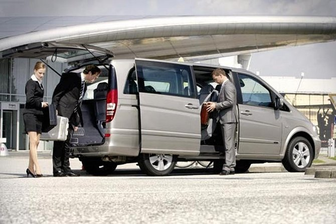 Private Departure Transfer: Hotels in Antibes to Nice Airport