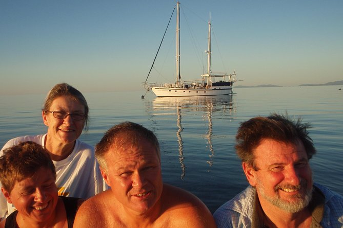 Great Barrier Reef Luxury Expedition Cruise cabin booking 7 days 6 night