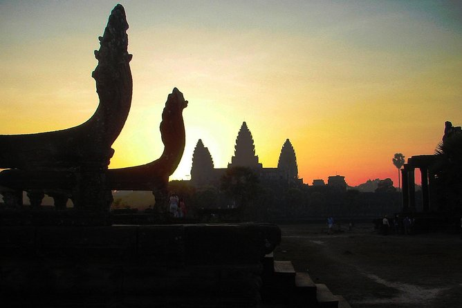 Angkor Wat Half-day Private tour from Sunrise