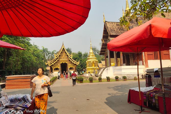 Explore Chiang Mai city and temples plus famous lunch