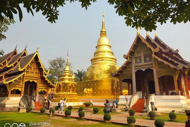 Explore Chiang Mai city and temples plus famous traditional Chiang Mai lunch