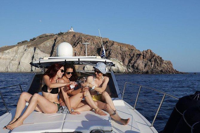 Santorini Privé Round Cruise