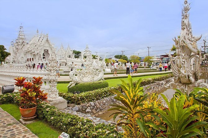 White Temple by Tour Hub Asia photo 4