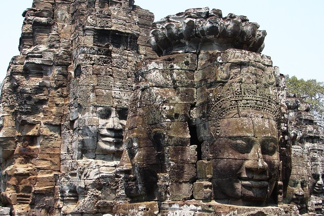 Banteay Srei & Angkor Complex Full-day Trip