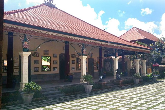 Royal Karangasem Heritage Tour photo 6