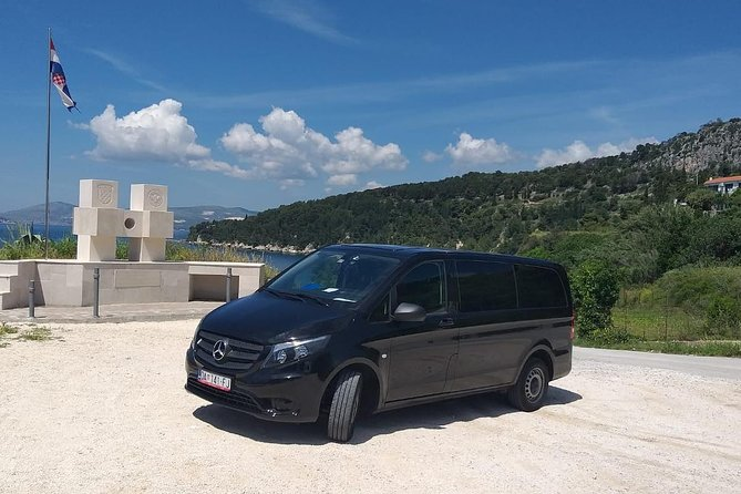 Split Airport Transfer To Town
