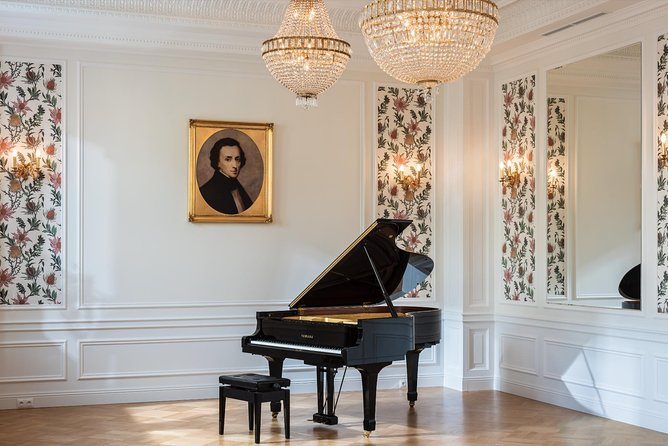 Chopin concert in Fryderyk Concert Hall every day at 7pm!