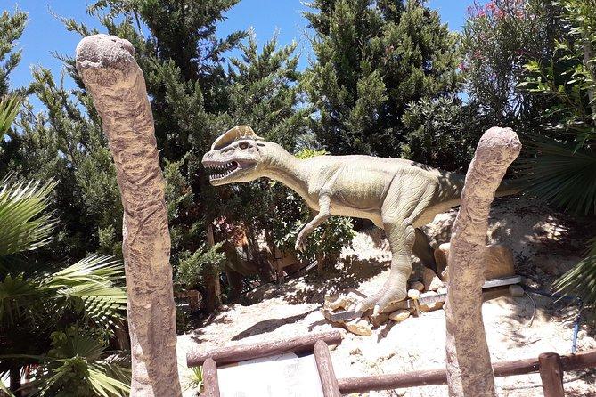 Day for children! Cretaquarium, Dinosaur Park, Labyrinth Park and Pottery class