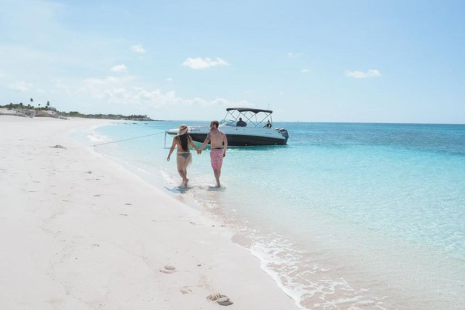 Private Boat Tours to outer islands, snacks drinks- snorkel- cruise! photo 17