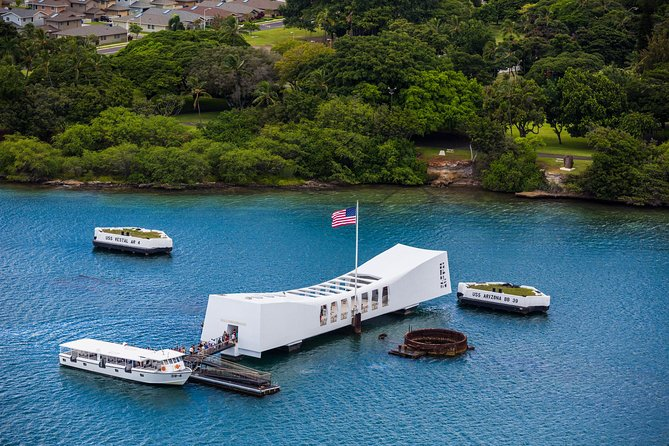 Oahu Day Trip: Pearl Harbor Memorial Tour from Kauai