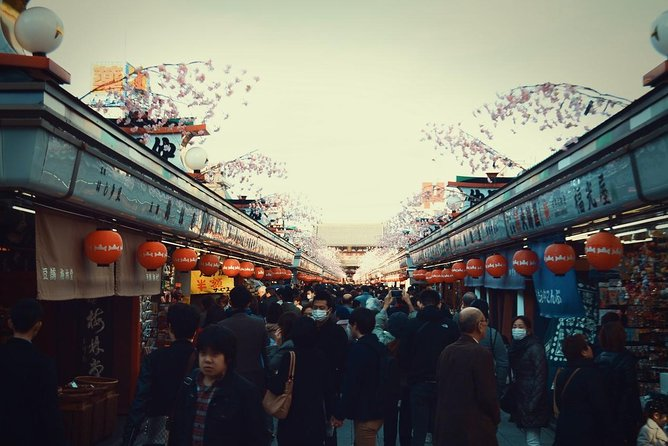 Walking Tour in YANAKA - Relaxing and Culture Experience