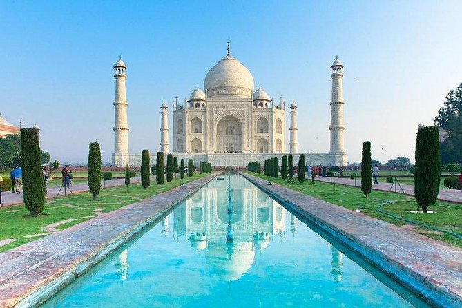 Private Day Tour of Taj Mahal and Agra Fort by Super Fast Train All Inclusive