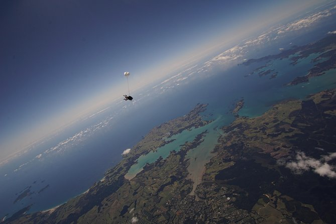 20,000ft Skydive - 85 Seconds of free fall