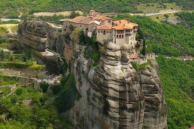 The Extraordinary Suspended Rocks, Meteora in a day tour