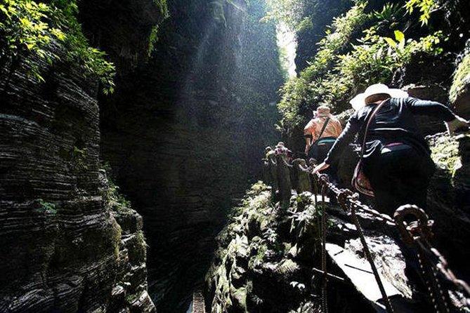 """4 Day """"Adventure"""" Tour Of West Hunan-Zhangjiajie+Sitting Dragon Gorge+Fenghuang"""