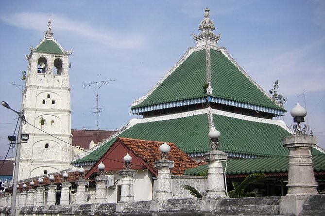 14 Attractions Full-Day Malacca Historical Tour