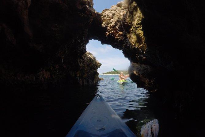 Passeio de mergulho com snorkel e caiaque com guia