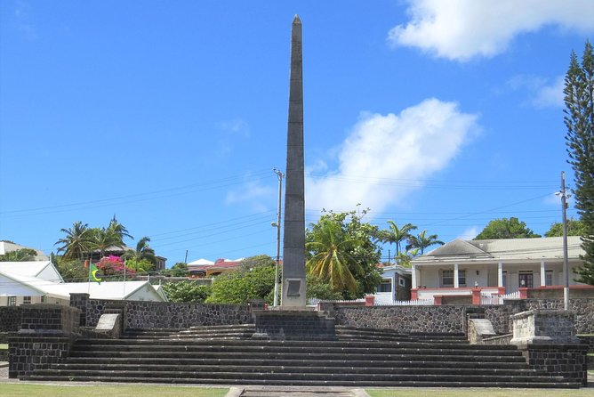Local Lunch & Half Day Island Tour - Option 1