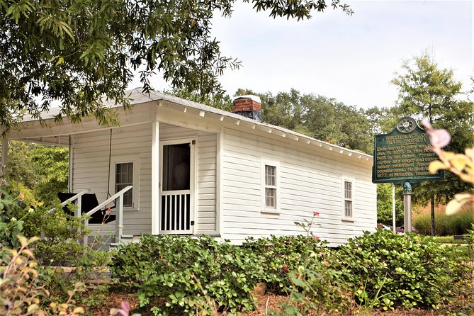 Elvis Presley Childhood Home Tour from Memphis