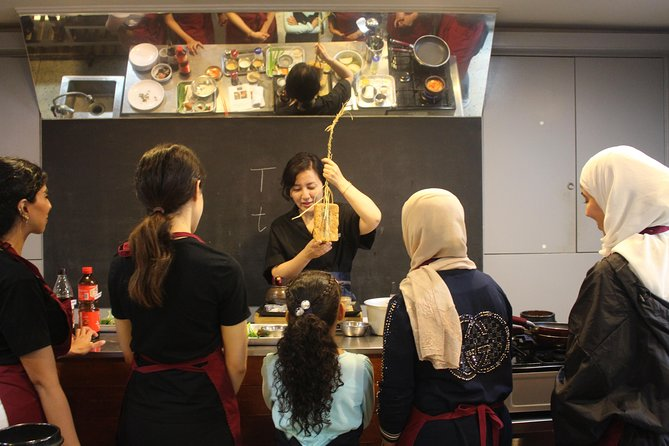 Korean Beginner Cooking Class with a Local Market Tour in Seoul