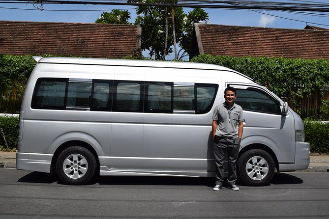 Private VIP van rental with English speaking local driver 8 hours in Chiang Mai