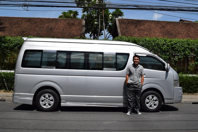 Private VIP Van rental with English speaking Tour Guide 8 hours in Chiang Mai