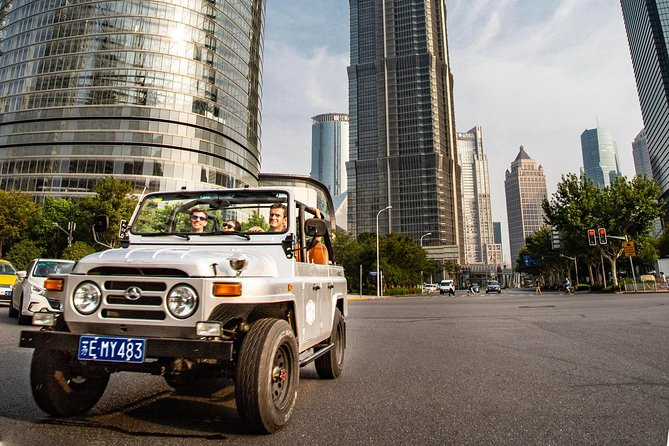 Private Tour in Vintage Convertible Jeep: Modern Architecture