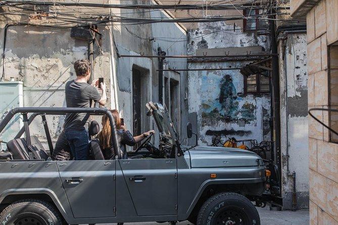 Private Tour in Vintage Convertible Jeep: Shanghai's Secrets