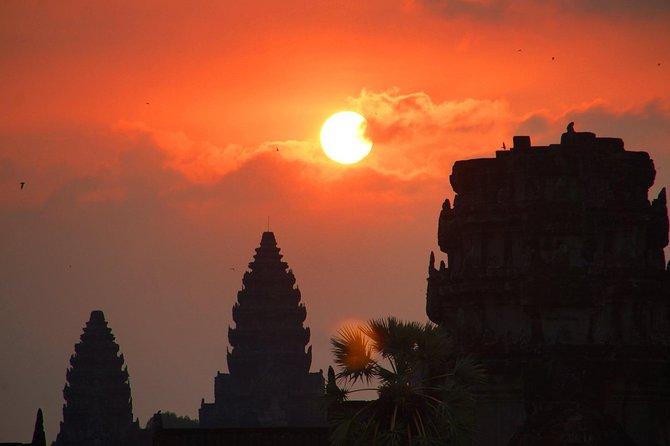 Visit Sunrise Over Angkor Wat