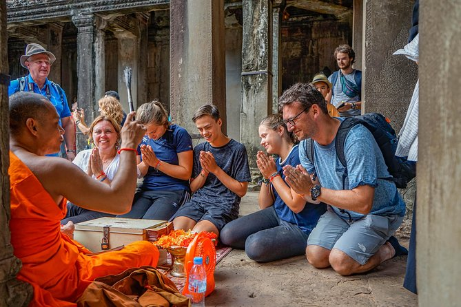 Angkor Sunrise Bike Tour with Breakfast and Lunch Included