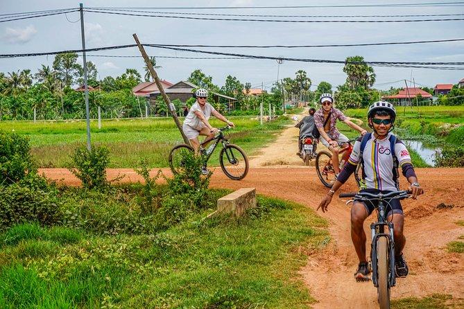 Cykle den Floating Village & Sunset Cruise
