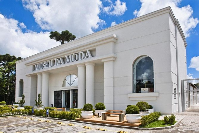 Admission to the Fashion Museum - Canela - RS A Travel in Time