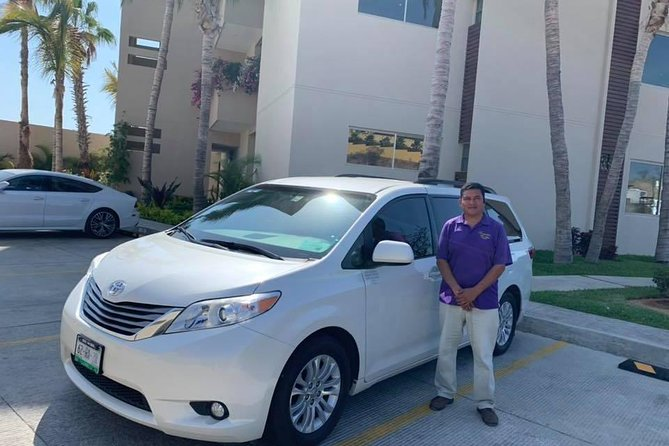 Roundtrip transportation from Airport to Los cabos Pacific Side hotels zone 4