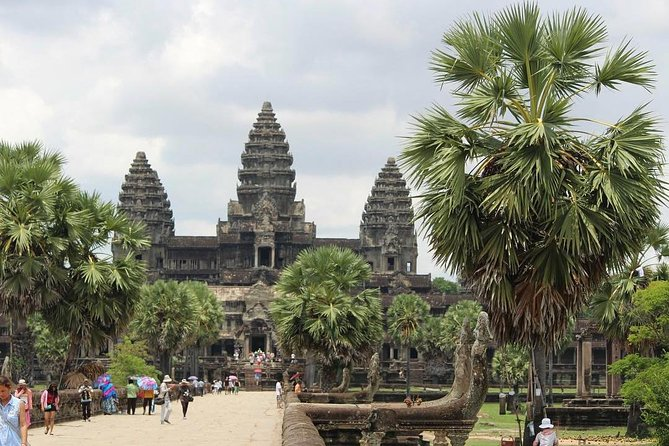Private Special Angkor Biking Tour photo 6