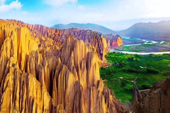 Lanzhou Private Day Tour to Yellow River Stone Forest with Cable Car, Boat Ride