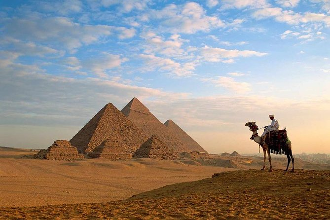 Private Tour To Giza Pyramids , Egyptian Museum and Market Include Camel Ride