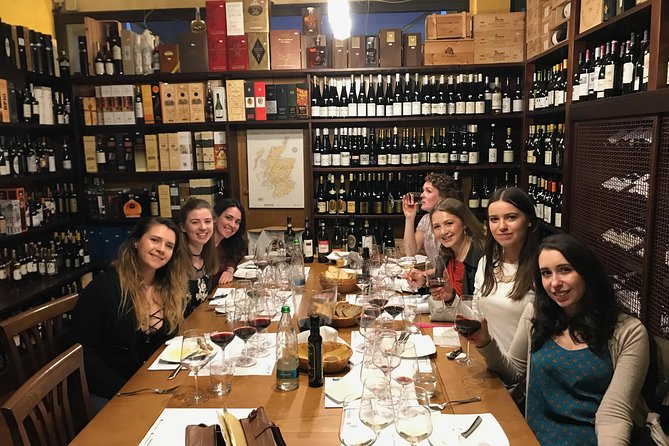 Wine tasting in Lucca - 5 wines and a taste of local products