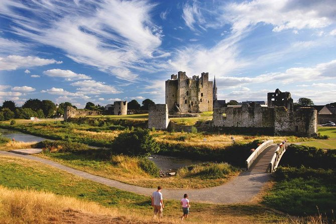 (Small Group) Trim Castle & Slane Whiskey Tour