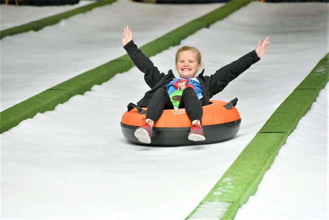 Pigeon Forge Snow: Indoor Snow Tubing Admission Ticket